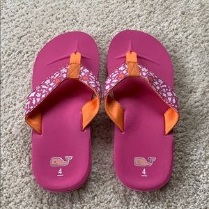 NWOT Girls Vineyard Vines Flip Flops